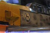 Windschutzaufbau und Wappen der I. Gruppe des Jagdgeschwaders 51 auf dem Flugzeugrumpf