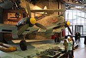 Ansicht des Zerstörers Messerschmitt Bf 110 F-2 'Werknummer 5052' von vorne rechts