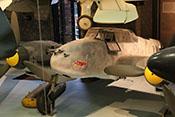 Frontansicht des Zerstörerflugzeuges Messerschmitt Bf 110 von oben links
