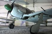 Ansicht der Focke-Wulf Fw 190 A-8 von links unten