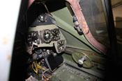 Blick in das Cockpit der Fw 190 mit Instrumenten