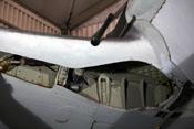 Fahrwerkschacht und MG 151/20 in der rechten Flügelwurzel
