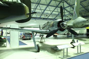 Ansicht des doppelsitzigen Schulflugzeuges Focke-Wulf Fw 190 S-8 des Royal-Airforce-Museums