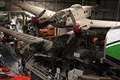 Ansicht der CASA C-2-111.B über der Junkers Ju 52 des Museums schwebend