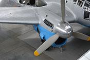 Rechtes Rolls-Royce-Merlin-Triebwerk mit Verkleidung, Luftschraube und Spinner