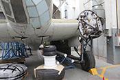 Rumpfboden mit leicht geöffneten Bombenschachtklappen
