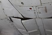 Leicht geöffnete Klappen der Bombenschächte an der Rumpfunterseite der CASA C-2-111.B bzw. Heinkel He 111