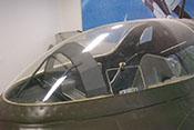 Cockpit der Me 163 B mit Panzerglasscheibe und Flugzeugführersitz