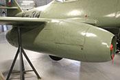 Triebwerk Junkers Jumo 004B-1 unter der rechten Tragfläche