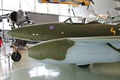 Rumpfspitze, linkes Haubenteil (über den Bordwafen) und Rumpfmittelteil mit Cockpit