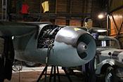 Strahltriebwerk Junkers Jumo 004B-1 an der linken Tragfläche der Messerschmitt Me 262