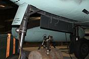 Bugradklappe mit Antrieb und Federbein des Me262-Bugrollwerkes