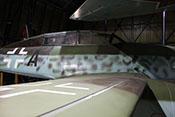 Rumpfmittelteil und Rumpfhinterteil mit dem vergrößerten Kabinenaufbau der zweisitzigen Variante der Me 262