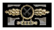 Frontflugspange für Schlachtflieger in Gold mit Anhänger 'Einsatzzahl 400'
