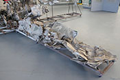 Zertrümmerte linke Tragfläche der Messerschmitt Bf 109 E-3a 'L-61'