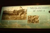 Informationstafel zur ausgestellten Messerschmitt Bf 109 F-4 'WNr. 10132'
