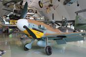 Perspektive der Messerschmitt Bf 109 G-2 'WNr 10639' von vorne links gesehen