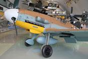 Linke Triebwerkverkleidung mit Sandfilter der Bf-109-Tropenversion