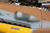 Ansaughutze der Bf109-Tropenausrüstung mit Sandabscheider (Luftfilter), Stützen und Umschaltklappen
