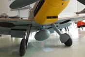 Der 300-Liter-Abwurftank unter dem Rumpf der Bf 109