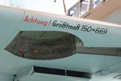 Fahrwerkschacht und Hinweis auf die maximale Dimensionierung von Laufrad und Decke auf der Tragflächenvorderkante