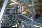 Instrumentenbrett der Bf 109 mit Drehzahlmesser, Ladedruckmesser und Reflexvisier