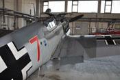 Aerodynamisch günstiger Übergang der rechten Tragfläche an den Flugzeugrumpf