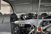 Zwillings-Zündmagnet, Stoßdrahtgeber, Entlüfter und andere Bauteile des DB 605