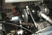 Zwillings-Zündmagnet und darunter der Generator für die elektrisch betriebenen Systeme der Bf 109