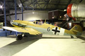 Messerschmitt Bf 109 G-2 'WNr. 10639' in der Bomberhalle des RAF-Museums in London-Hendon