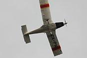 Flugvorführung einer Zlin Z-142 über dem Ortskern