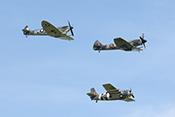 Seafire LFIIIc PP972, Supermarine Spitfire XIV JE-J und Grumman F4F 'Wildcat'