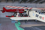 IMAM Ro 43bis '110-12' und Macchi MC72 '181' Hochgeschwindigkeits-Wasserflugzeug von 1931 im Hangar 'Velo'