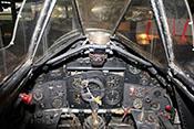 Blick in das Cockpit eines Hawker Typhoon Jagdbombers