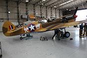 Seitenansicht der Curtiss P-40 F 'Kittyhawk' X-17