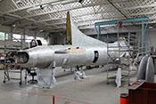 Rumpf der Boeing B-17G 'Flying Fortress' mit der Seriennummer 44-83735 im Restaurierungshangar des Imperial War Museums Duxford