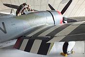 Schwarz-weiße 'Invasionsstreifen' auf den Tragflächen der P-47D 'Thunderbolt'