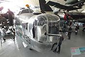 Buggeschützturm des amerikanischen 4-mot-Bombers Consolidated B-24M 'Liberator'