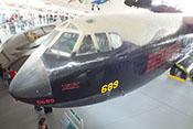 Cockpit des schweren Langstreckenbombers Boeing B-52D 'Stratofortress' 0689