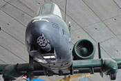 Blick auf die GAU-8A-Avenger-Kanone der Fairchild Republic A-10 Thunderbolt II 'Warthog'