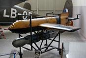 Funkferngesteuerte Gleitbombe Henschel Hs 293 A von 1943