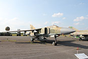 """Mehrzweckjagdflugzeug Mikojan-Gurewitsch MiG-23 ML (NATO-Code: Flogger G) des NVA-Jagdfliegergeschwaders 9 """"Heinrich Rau"""""""