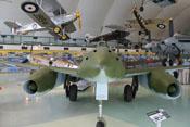 Bug der Messerschmitt Me 262 A-2a mit den Mündungen der vier 30-mm-Maschinenkanonen MK 108
